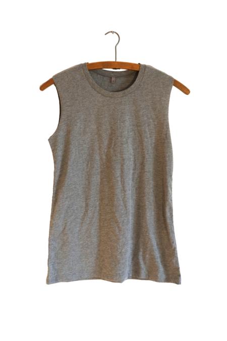 Sleeveless T-shirt outlet